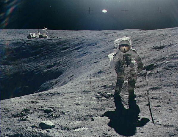 astronauta en luna